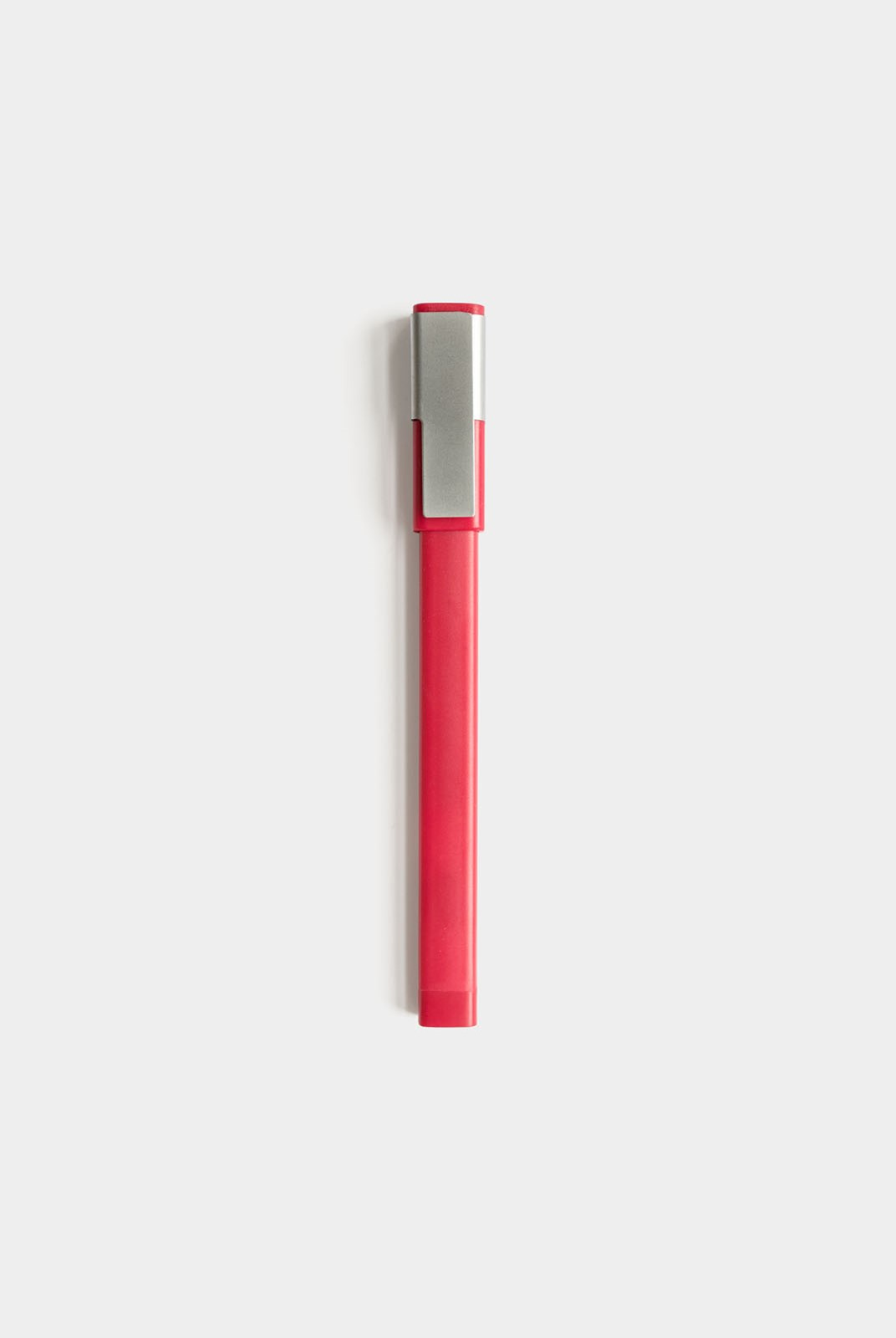 Moleskine - Classic Cap Rollerball Pen Plus - Medium - Carmine Red