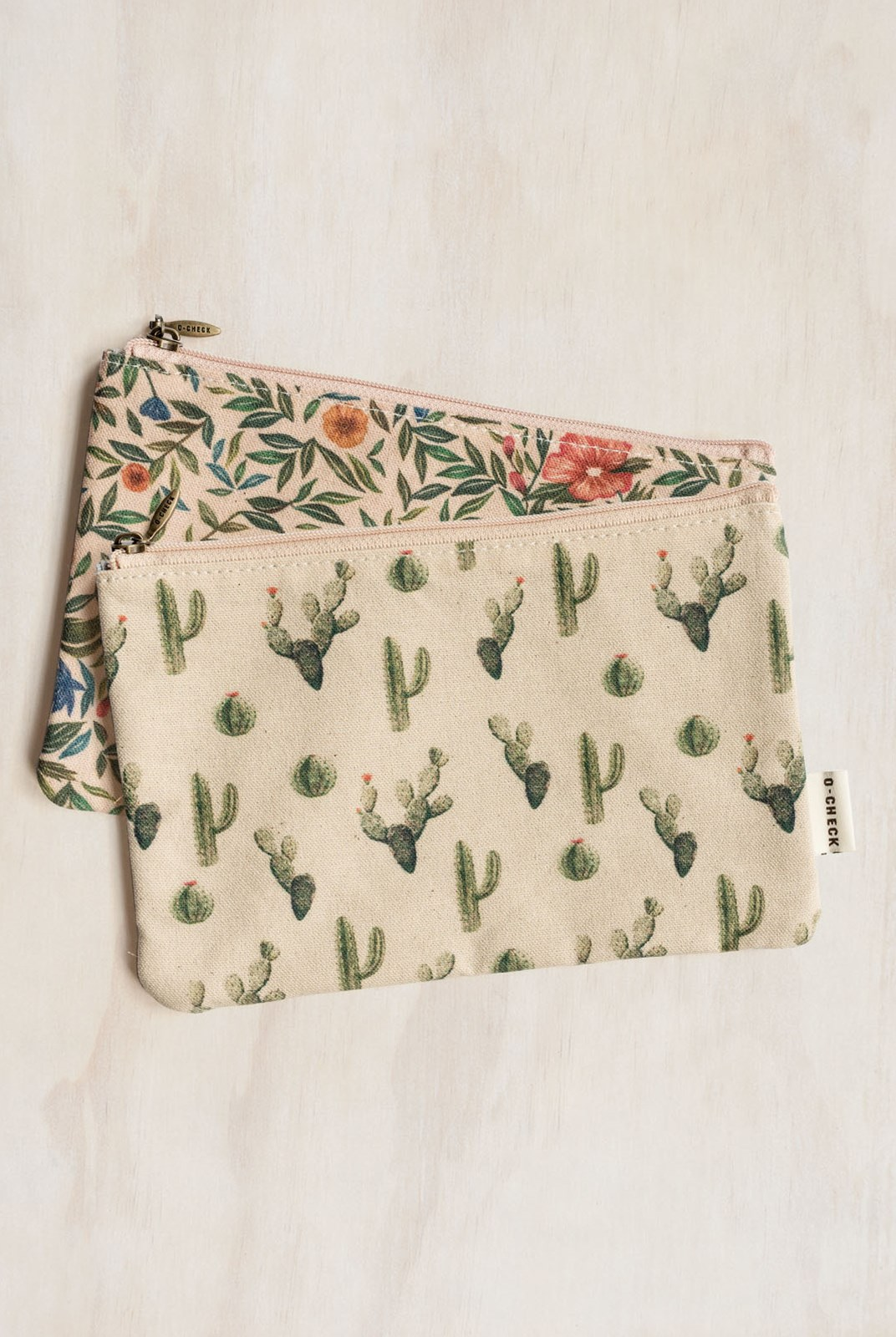 O-Check Design Graphics - Pouch - Flower