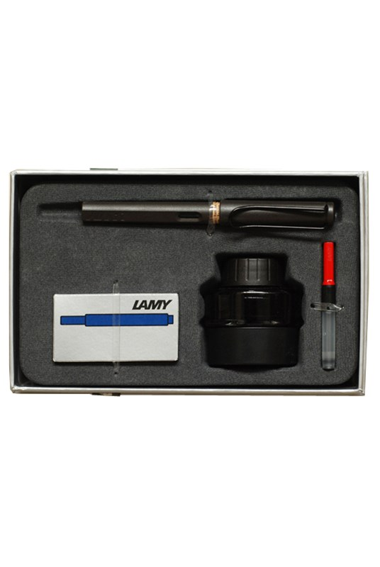 LAMY - SAFARI - Gift Pack - Fountain Pen Medium - Matte Charcoal