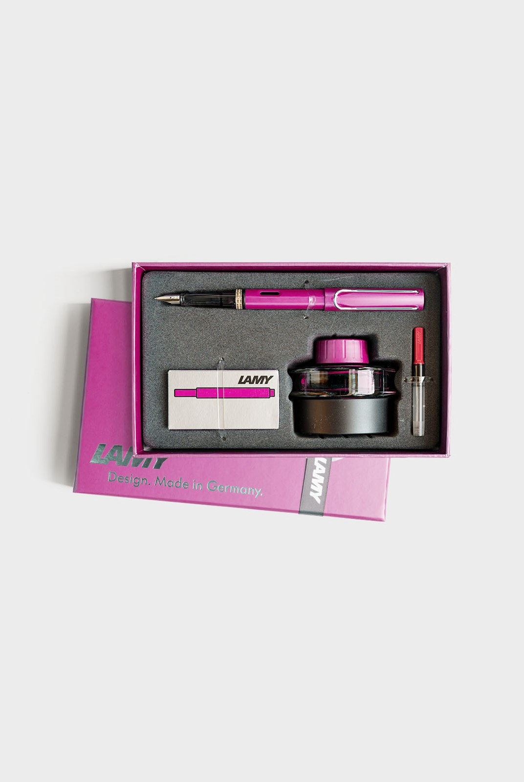 LAMY - AL-STAR - Vibrant Pink Fountain Pen with Converter - Ink Cartridges and 50ml Ink Bottle in Gift Box
