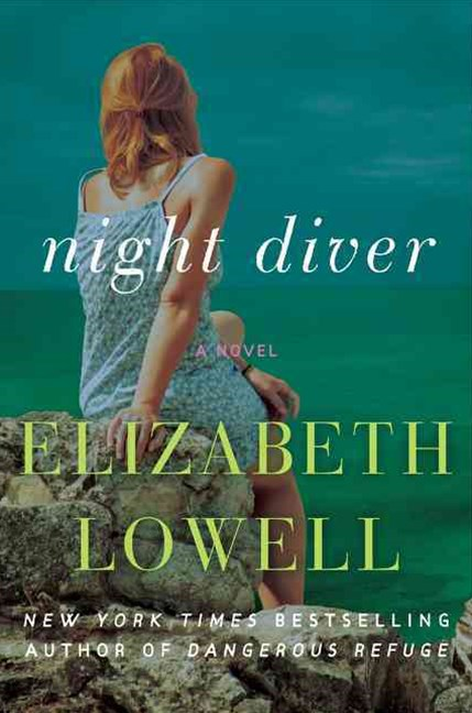 Night Diver: A Novel [Large Print]