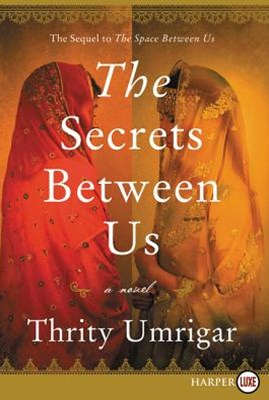 The Secrets Between Us [Large Print]
