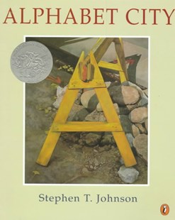 Alphabet City by Stephen T. Johnson (9780140559040) - PaperBack - Non-Fiction Early Learning