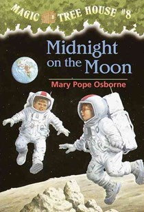 Midnight on the Moon by Mary Pope Osborne, Sal Murdocca (9780679863748) - PaperBack - Children's Fiction Older Readers (8-10)